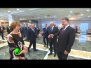 Рукопожатие Путина и реакция Порошенко Встреча в Минске