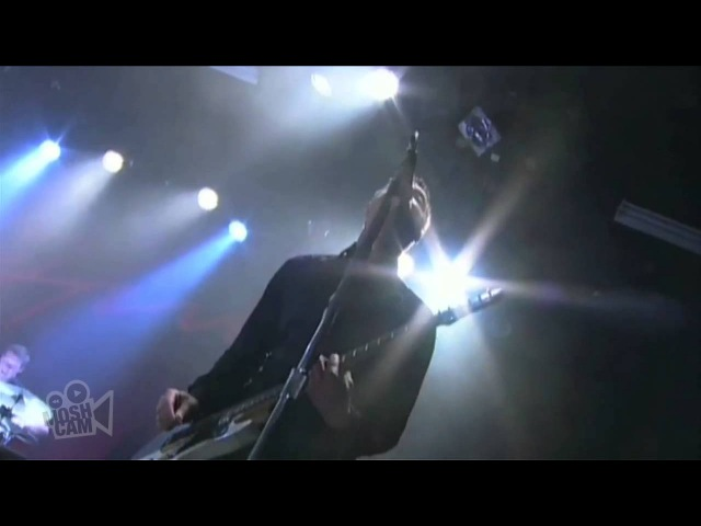 The Hives - I Gotta Get Some Action Right Now (The Hellacopters) (Live in Sydney)   Moshcam
