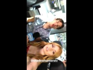 › За кадром интервью для портала «Young Hollywood» › 20.07.2017 (Сан-Диего, штат Калифорния)