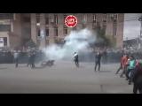 Полиция разгоняет демонстрантов в Ереване