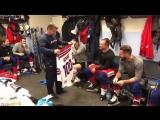 Главный тренер Сборной Чехии Йозеф Яндач вручил символический свитер Яну Коваржу