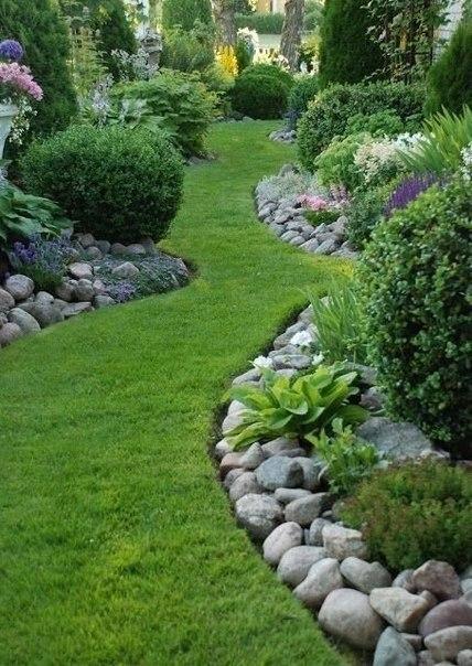 Варианты окантовки дорожек и газона
