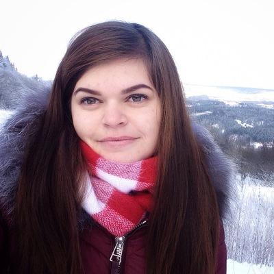 Оля Бажовська