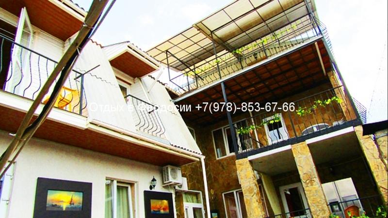 Феодосия Гостевой круглогодичный дом по ул.Семашко до моря 700 м двухкомнатный номер на 2 этаже