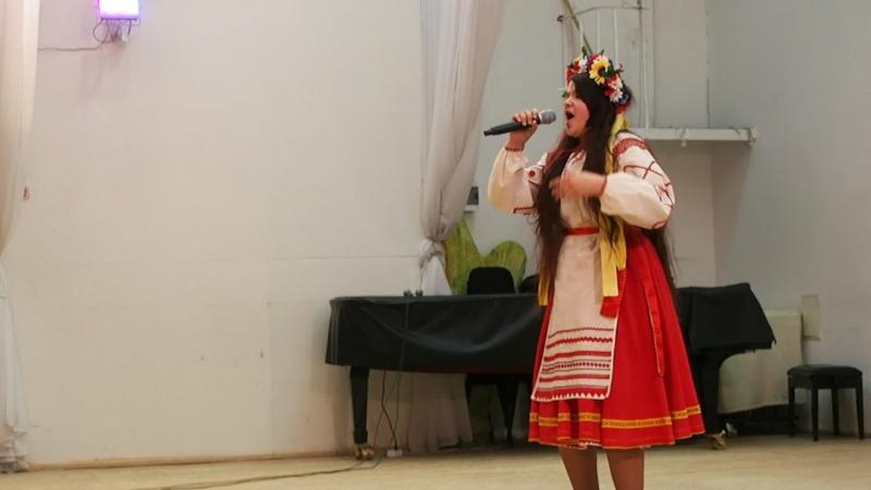 2018-04-22 25 років Калині, 18.18, україночка співає молдавською