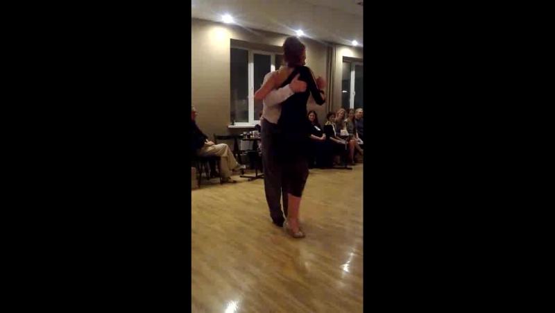 танец именинника