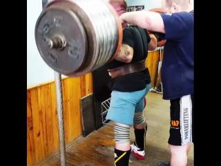Тимур Гадиев - присед 330 кг на 3