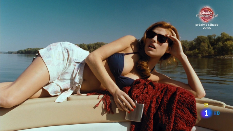En aguas tranquilas (2008) Under Still Waters sexy escenes 05 Lake Bell