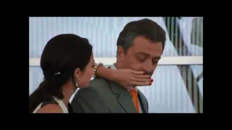 Молодая жена обсирает своего старого мужа у него за спиной