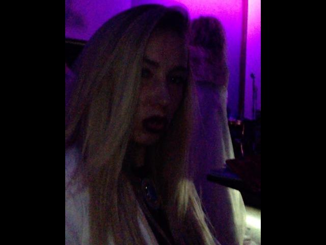 Очаровательная Надежда Ермакова отрывается в клубе под песни Гарафутдинова