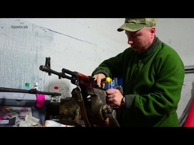 Зброяр УДА показав якою зброєю воюють бійці 8 батальйону