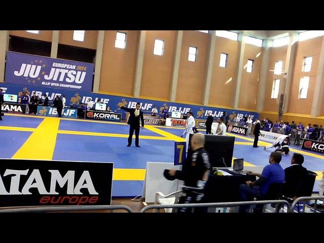European Open BJJ 2014 White belt Adult Light feather 64 1 2 final SHAMIL MAGOMEDOV Luís Paulo Per