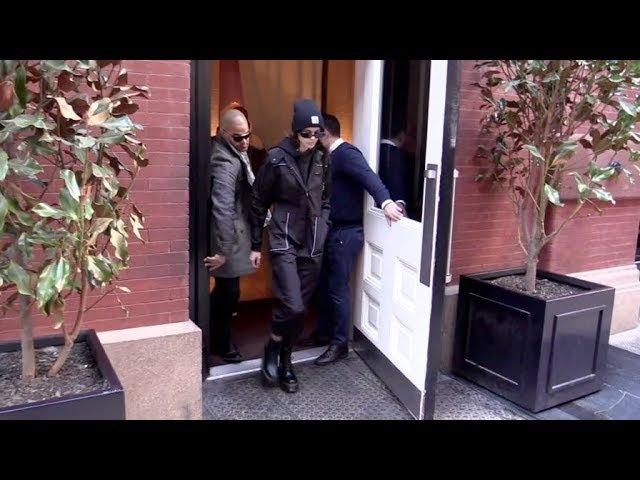 Supermodel Kaia Gerber running errands in New York City.