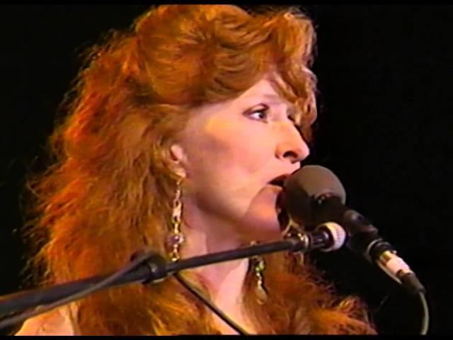 Bonnie Raitt - Write Me A Few of Your Lines Kokomo Blues Walkin Blues - 1161993 (Official)
