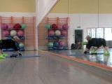 Упражнение на дельты+ м. спины (Отведение плеча в широкой стойке).
