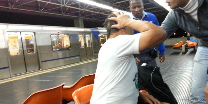 Torcedores Palmeirenses agridem senhor idoso corinthiano no Metrô Carrão