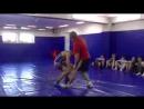 Приемы вольной борьбы,техника и тактика, с захватом руки,сбивания и броски.3gp