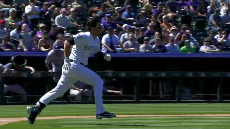 Benches clear when Nolan Arenado charges mound