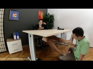 Goddess victoria foot fetish office фут фетиш офис slave licking feet #femdom #nylon #stockings #pantyhose