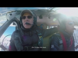 Два французских экстремала в виньгсьютах спрыгнули с вершины горы и влетели в самолёт на ходу