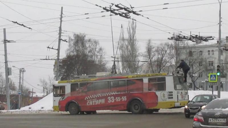 Сход штанг у троллейбуса 10-го маршрута 06.11.2015 г.