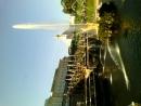 включение фонтана в Петергофе