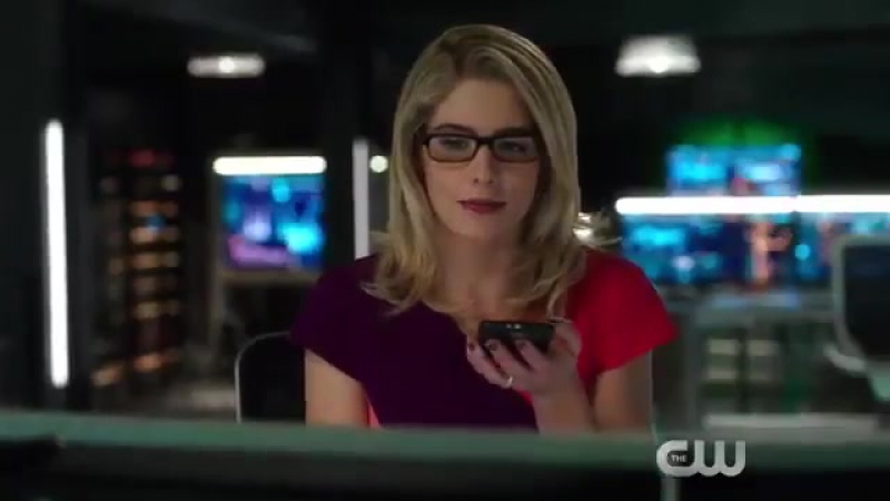 "Arrow 6x11 ""We Fall"" Sneak Peek. Felicity asks Curtis for help."