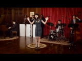 Джазовый кавер песни Who Can It Be Now - Men At Work (40s Jazz Cover) ft. Sara Niemietz