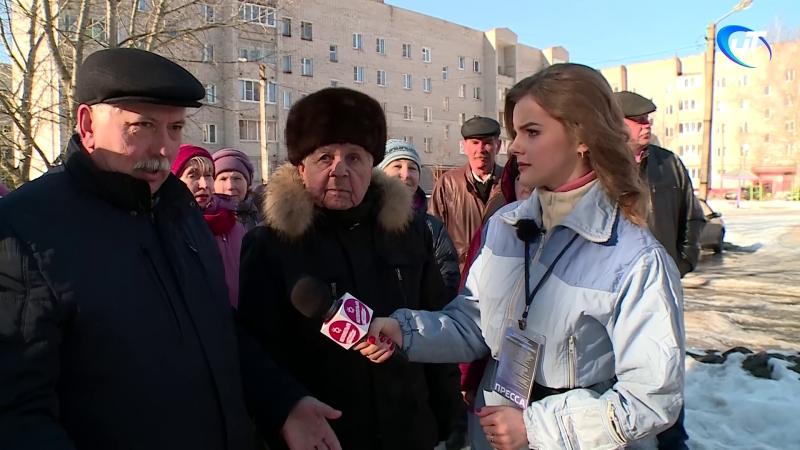 Колокольня 3 Ямы, лужи, тает лёд, нет освещения ул. Парковая, Великий Новгород