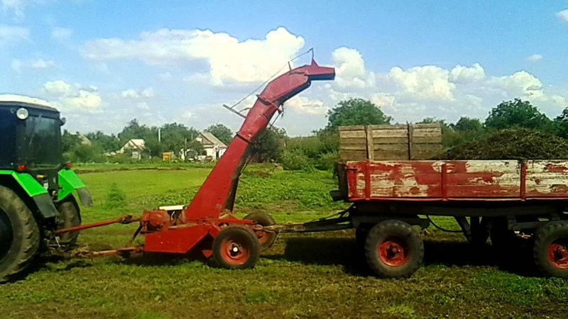 МТЗ 82.1 и КИР 1,5, собираем гнилое сено / MTZ 82.1 and KIR 1,5, we collect a rotten hay