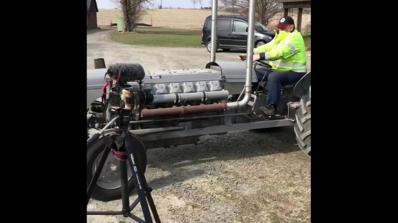 Deutz V12 в Ferguson трактор!