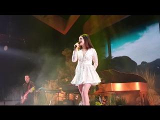 Lana Del Rey – Ride (Live @ «LA To The Moon Tour»: «Target Center»)