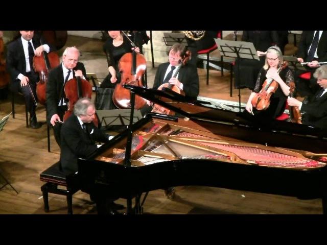 Omaggio a Palladio 2012. Schiff plays Brahms Intermezzo op.117 no.1