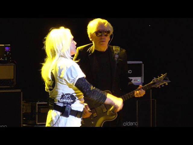 Blondie Too Much 2017