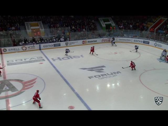 Моменты из матчей КХЛ сезона 16/17 • Гол. 1:0. Тичар Рок (Автомобилист) пробросил между ног голкиперу 29.08