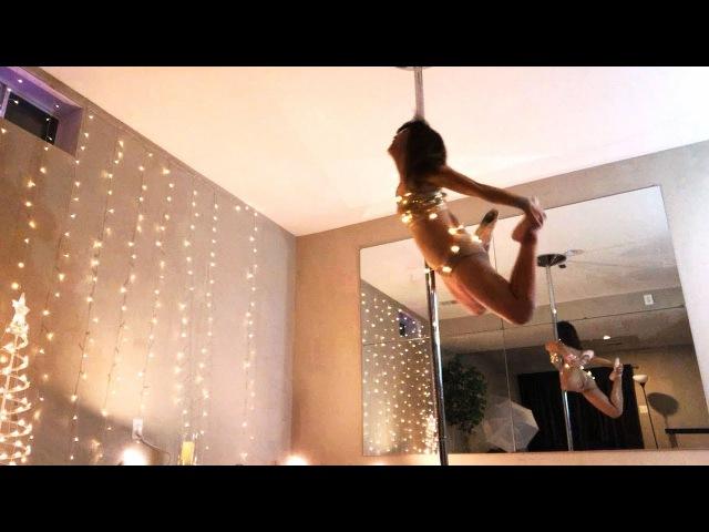 Merry Christmas Pole Dance -Yoon Mirae (윤미래) Always-Wrist Band from Sneakydeez
