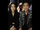 "W Korea on Instagram: ""#Wmoments 'Night Noir'를 주제로 펼쳐진 클레어 웨이트 켈러의 글램한 지방시 쇼. 파"