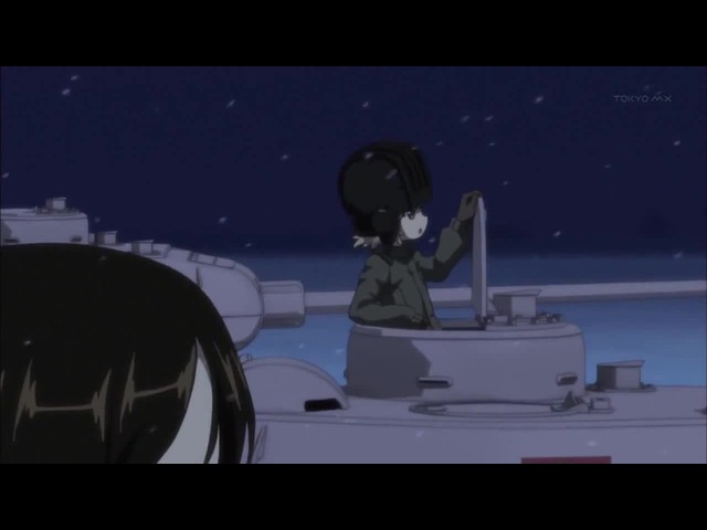 Японские школьницы на танках поют Катюшу.