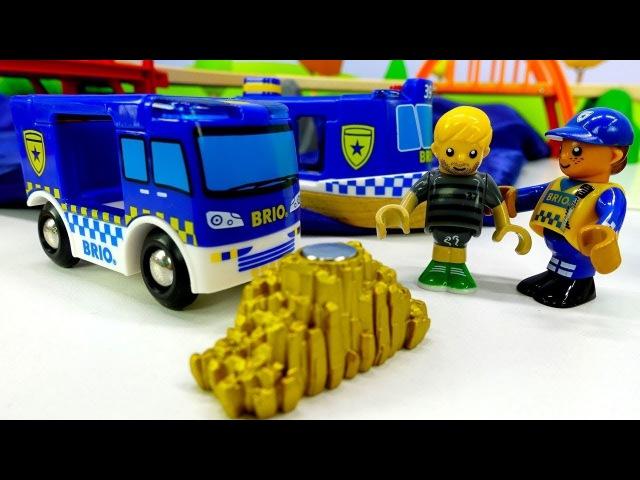 Giochi per bambini in italiano-🚂 L´isola dei treni Brio nuovi episodi🚂-Polizia trova un ladro🚂