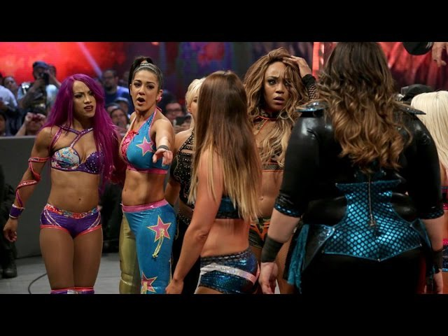WWE RAW 05-02-17 Alexa Bliss,Nia Jax, Alicia Fox Emma vs Bayley, Sasha, Mickie James Dana Brooke