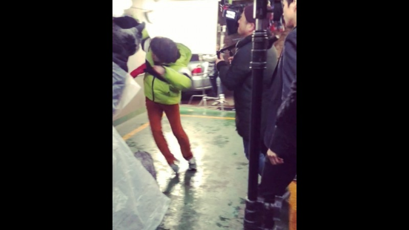 "Kim Hee Chul on Instagram ""김스가 촬영한 날아가는 김희철 🏌️♂️🤸♂️🌼😐🍒🍯1"