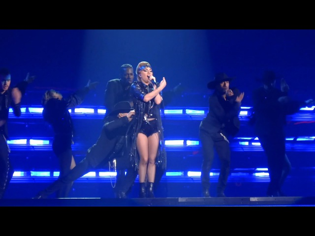 Lady Gaga - Poker Face LIVE - Joanne World Tour - Pittsburgh PA - PPG Paints Arena - 11/20/17