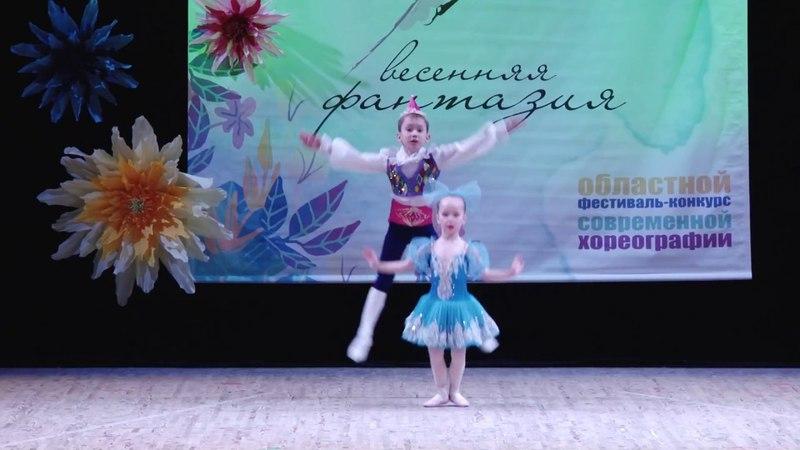 Гусаренко Лиза (4 года) и Гусаренко Коля (7 лет). Куклы.