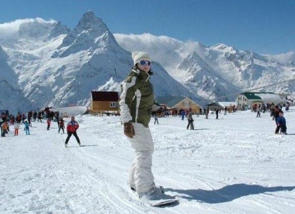 Домбай вошел в 10-ку лучших российских горнолыжных курортов