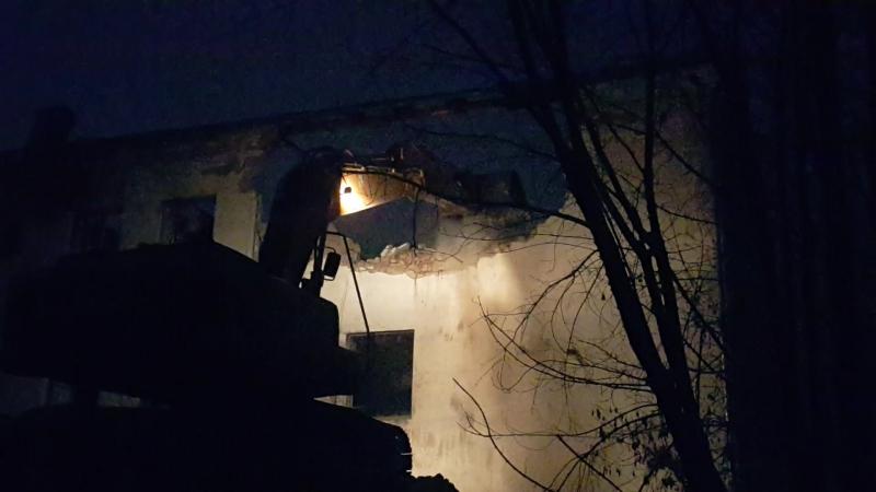 Снос, слом, демонтаж зданий и разборка части строений