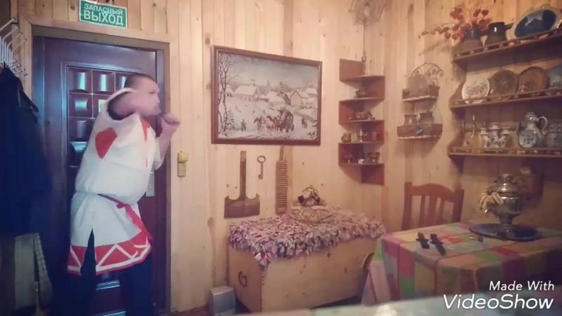 Славяно горицкая борьба. Радогора (плетение куделей) на примере с комбинированным хватом ножей.