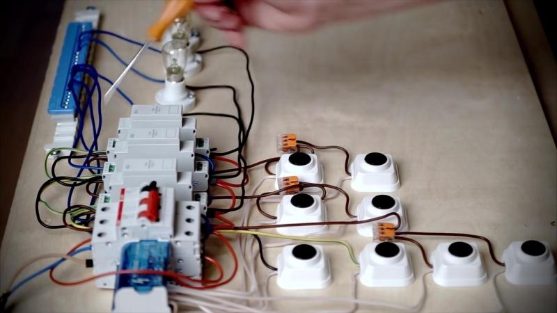Импульсное реле. Управление освещением в доме и квартире.