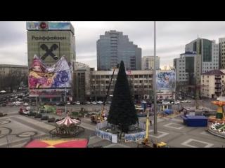 В Краснодаре сегодня разбирали городскую ёлку Видео: Владимир Вербицкий