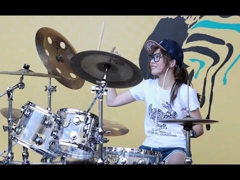 Барабанщица - виртуоз Ло Сяобай (羅小白) - Тайвань