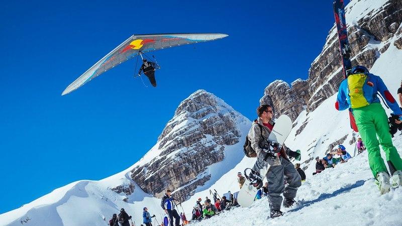 Hang gliding to Kanin mountain ridge
